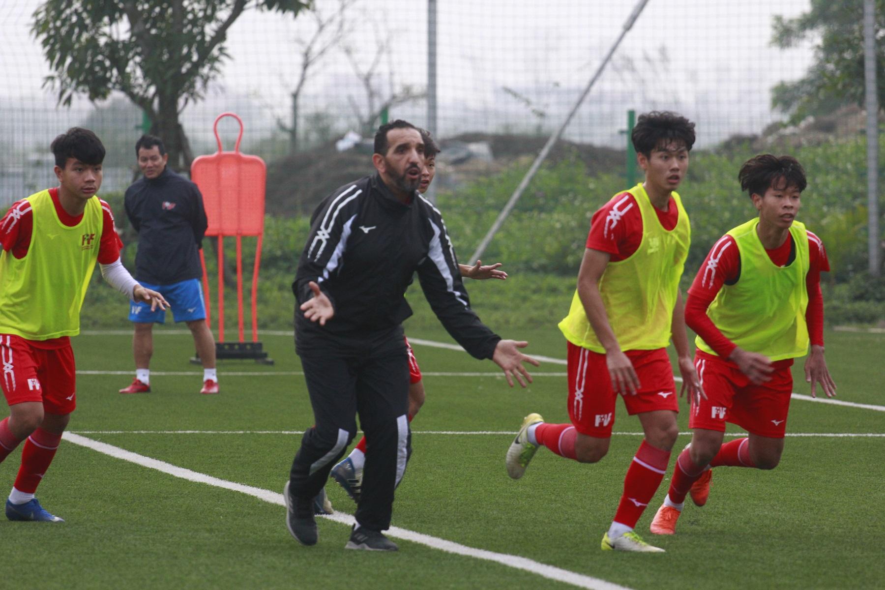 Trung tâm bóng đá PVF tuyển sinh 2020